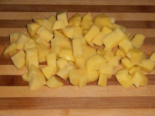 картофель кусочками