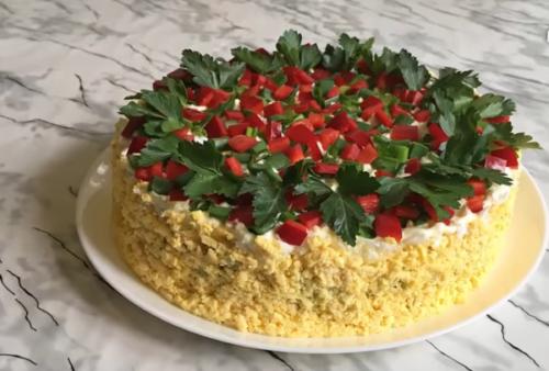 яркий пасхальный салат