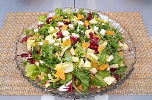 салат с куриным филе и мандаринами