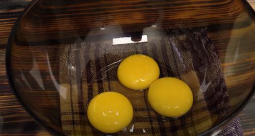 яичные желтки