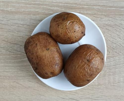 Картофель освободить от мундира