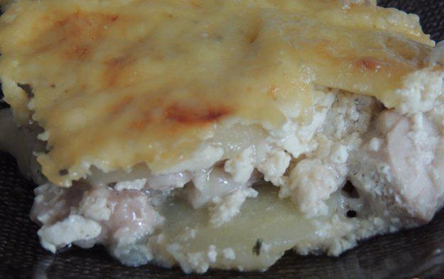 Картофель с курицей в сливках в духовке